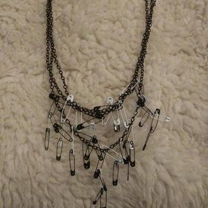 PUNK GOTHIC STYLE 3 BLACK CHAINS WITH SAFETY PINS